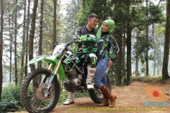Kumpulan foto romantisme anak motor trail maupun prewedding biker (50)