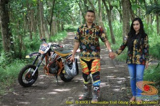 Kumpulan foto romantisme anak motor trail maupun prewedding biker (66)
