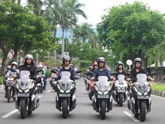 lady biker Honda ADV150 city rolling keliling Kota Surabaya tahun 2019 (4)