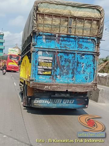 Kumpulan ulisan bak truk dan kata kata mutiara untuk sopir