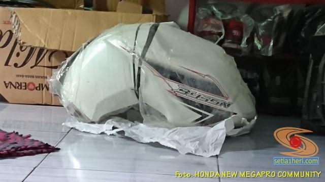 MegaSon, Modifikasi Honda New Megapro pakai tangki BBM punya Yamaha Byson (3)