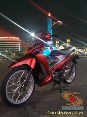 Modifikasi Honda Supra X 125 warna merah mazda silver brosis (6)