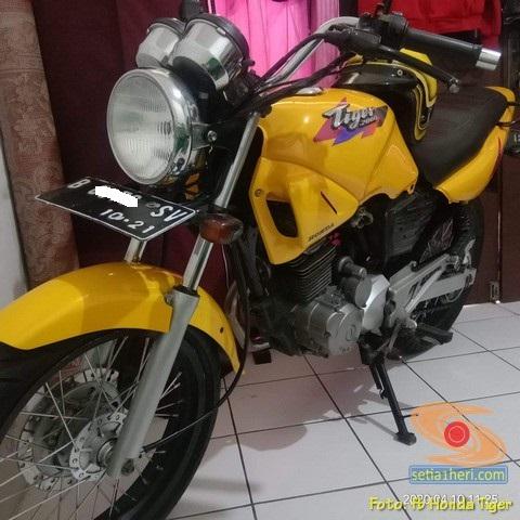 Kumpulan foto nostalgia Tilas Honda Tiger 2000 warna kuning brosis.. (6)