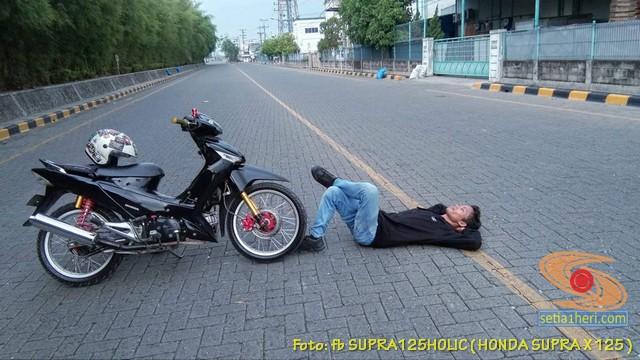 Ragam gaya kaum rebahan alias tidur ala biker saat gabut