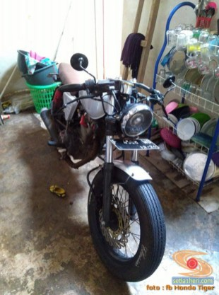 Honda Tiger modif Jap Style atau Scrambler (42)