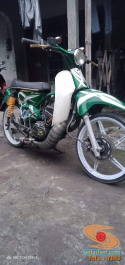 Modifikasi Yamaha RX King berubah jadi motor bebek retro klasik atau swap engine (21)