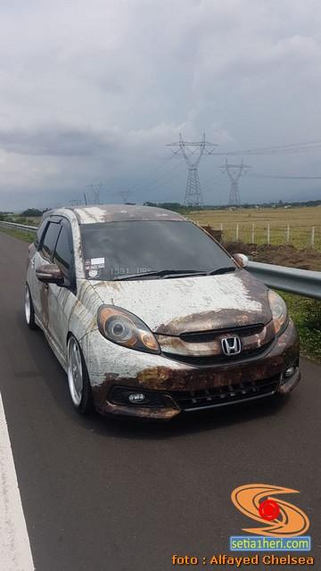Modifikasi ratlook atau karatan pada Honda Mobilio asal Jakarta (1)