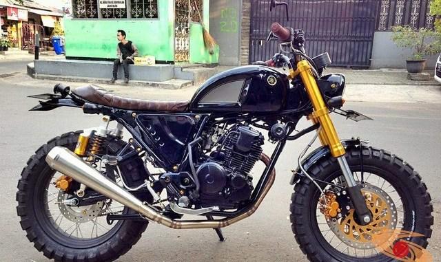 Modifikasi sangar Yamaha Scorpio versi Scrambler asal Jakarta
