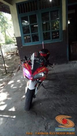 Kumpulan modif Yamaha R15 warna merah meronah brosis. (13)