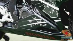 Gambar detail Honda CBR250RR SP Quick Shifter warna Special Edition Garuda X Samurai tahun 2020 (21)