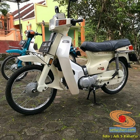 Motor Jadul Honda Astrea 800 warna putih melati brosis.. (1)