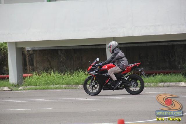 KHS setia1heri test ride Njajal Numpak Honda CBR150R 2021 (2)