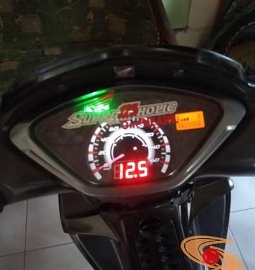Ragam cara pasang voltmeter di speedometer Honda Supra X 125, monggo disimak gans (4)