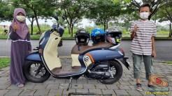 sakti dan syifa bersama honda scoopy 2020