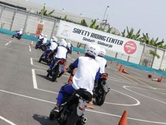 Yuk Belajar Safety Riding ke MPM Safety Riding Center brosis...