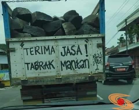 Terima Jasa Tabrak Mantan....xixixixii [tulisan truk] (2)