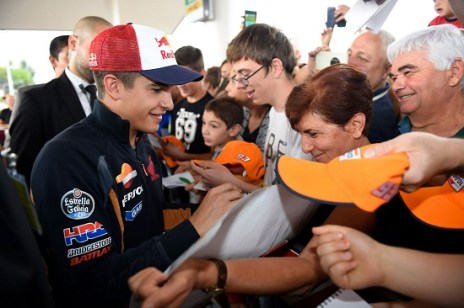Marquez refuels in Corpolo (Italy), on the road to Misano 2014
