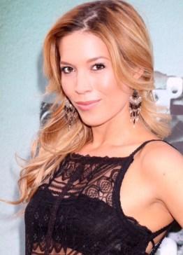A bela Alicia Vela-Bailey