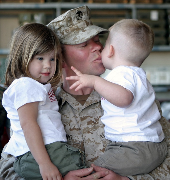 military-man-with-children