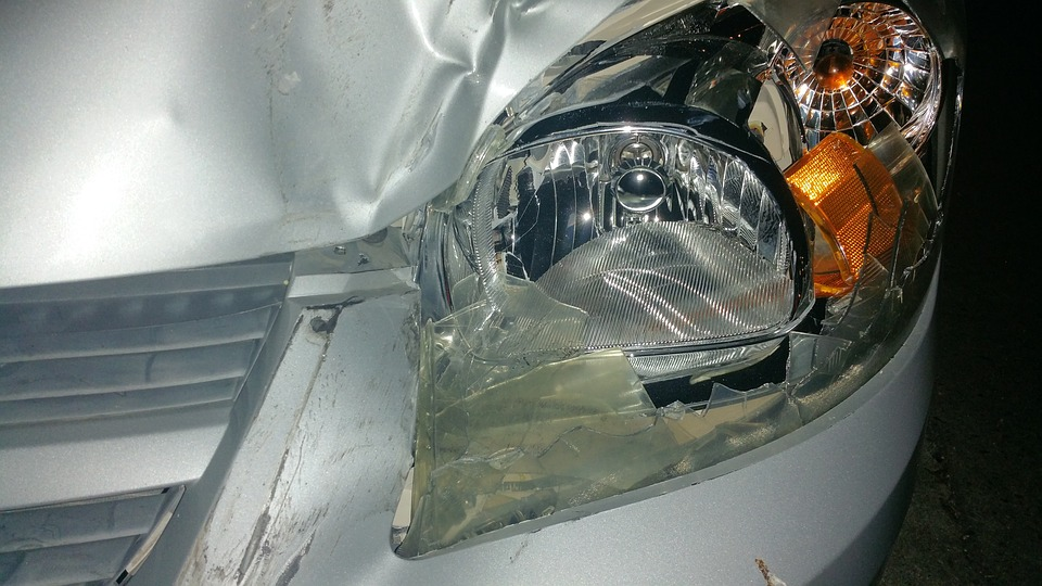 broken-car-light