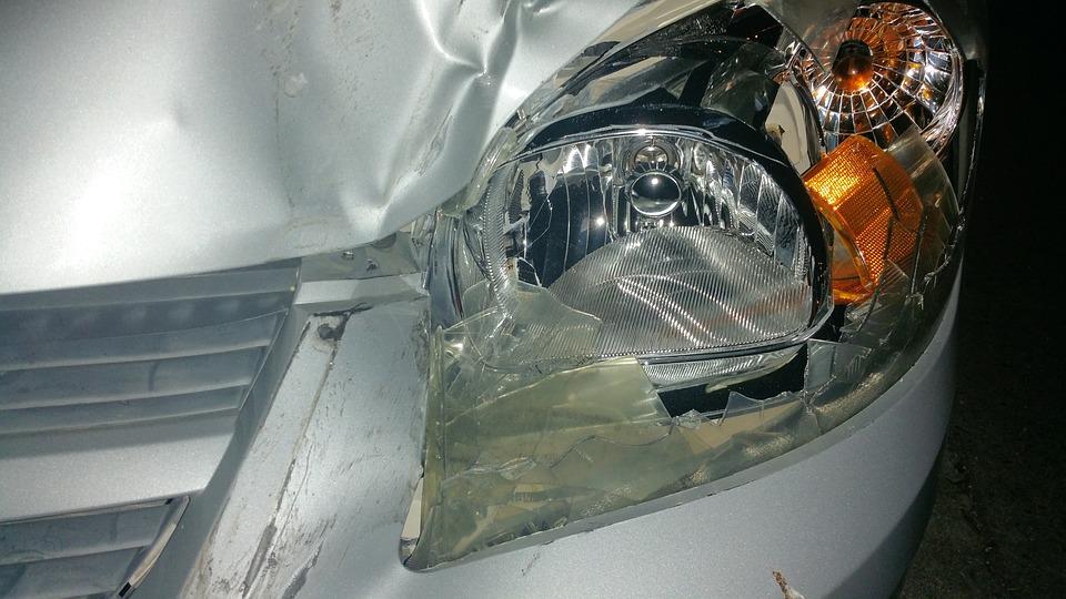 broken-car-light