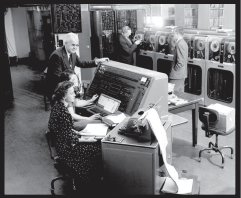 Computer operator's calculating the 1954 Census with the UNIVAC. Photo courtesy by explorehistorypa.com