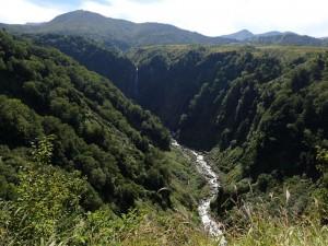 称名川と天狗の滝