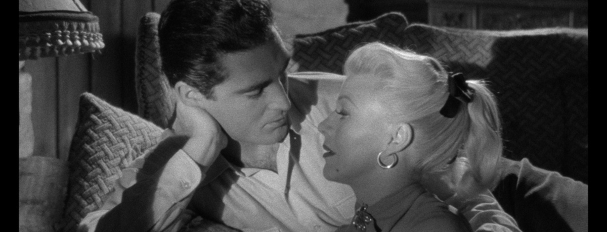 Secret People (1952) - Review