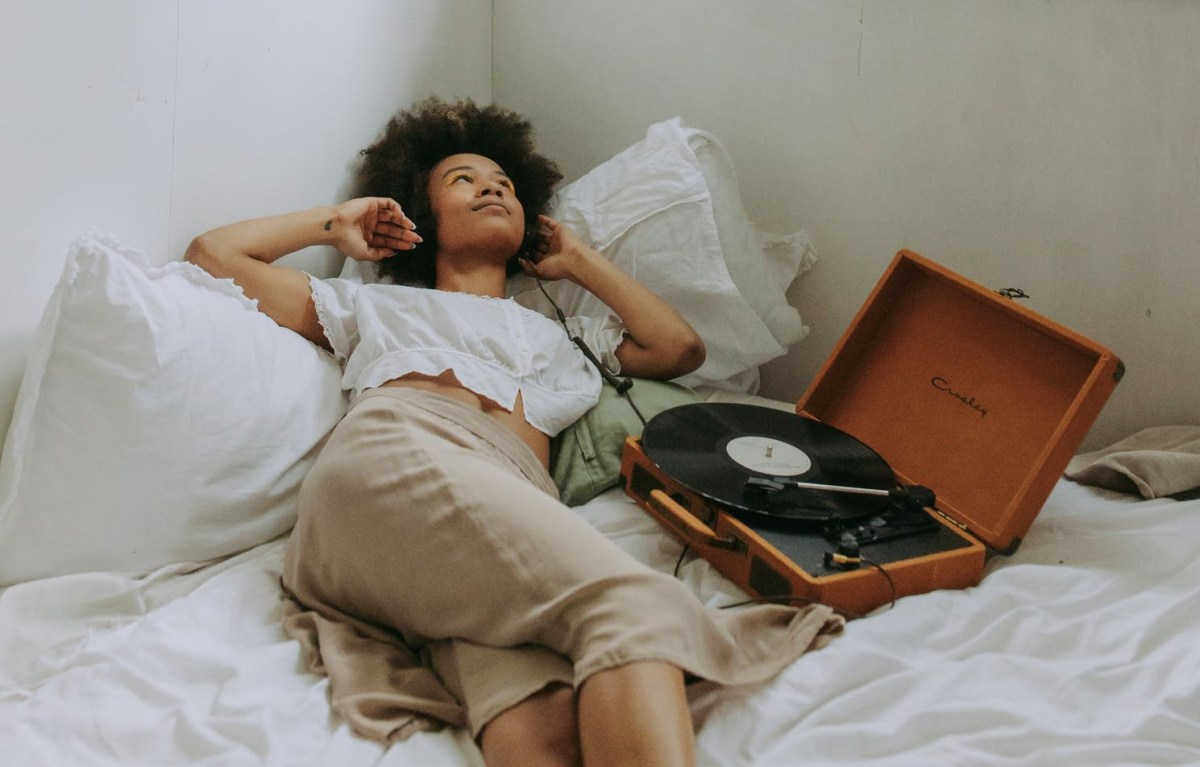 The Resurgence of Vinyl Records and Its Impact on the Environment