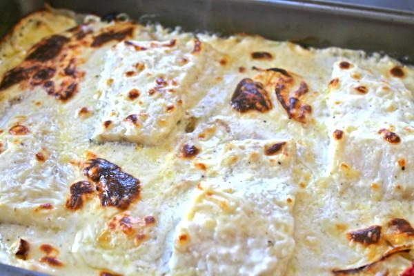 Bacalao gratinado con bechamel y patata panadera al horno con luz