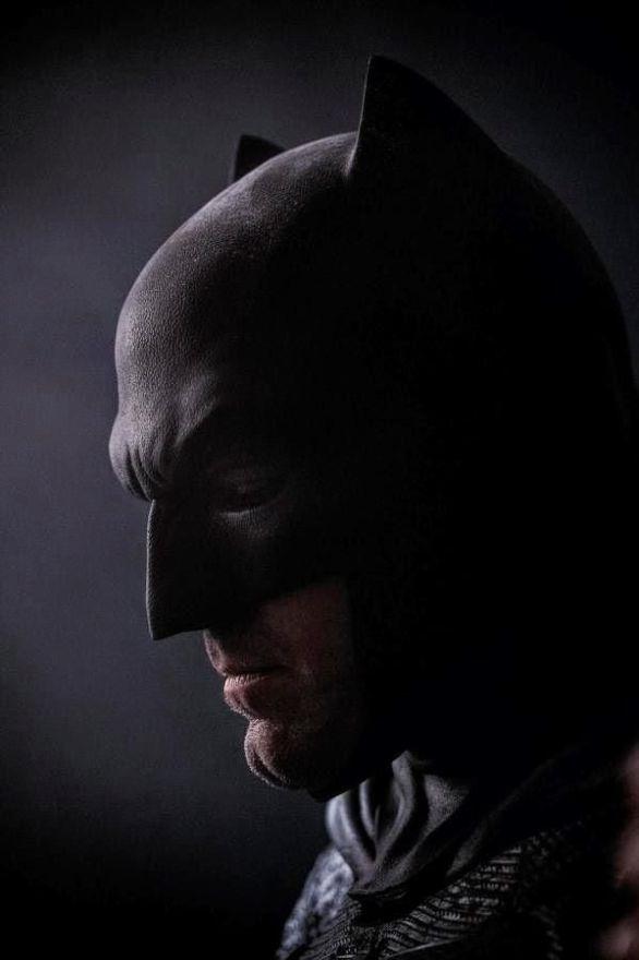 Ben-Affleck-in-Batman-v-Superman-Mask-Comic-Con-2014