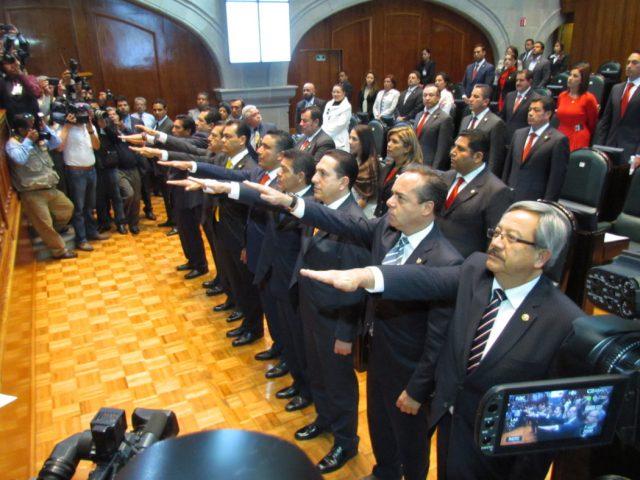 Líderes parlamentarios en el Edomex, muy poco productivos