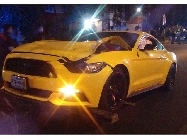 Muere atropellado por un Mustang que iba a exceso se velocidad