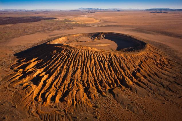 Cráter El Elgante, el más visitado y el más accesible de la Reserva de la Biósfera de el Pinacate en Sonora. Foto: radiomil.com.mx