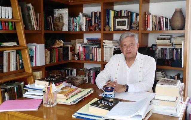 AMLO pide frenar caída de Peña Nieto