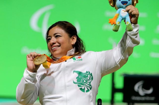 Tercer oro para México, Amalia Pérez en levantamiento de potencia