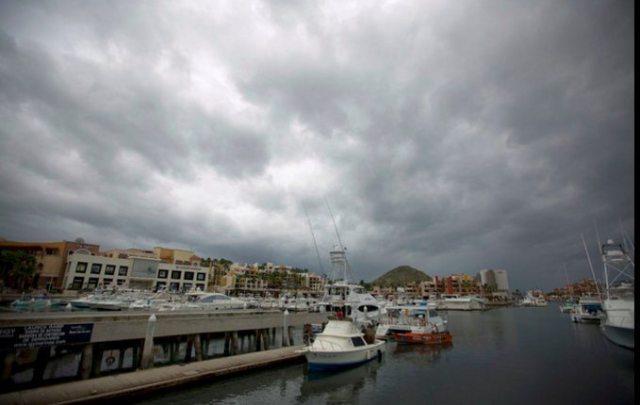 El huracán 'Newton' toca tierra cerca de Los Cabos