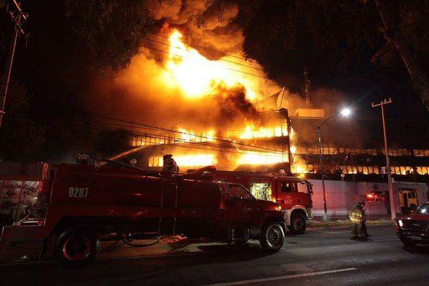Controlan incendio en fábrica de Azcapotzalco