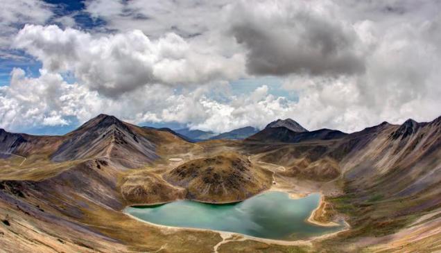 Alcanza una elevación de 4680 msnm, siendo la cuarta formación más alta de México y formando parte de la Cordillera Neovolcánica Transversal y del Cinturón de Fuego del Pacífico. Foto: janap.net