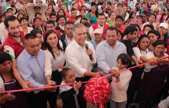 Zamora inaugura obras que no quiere pagar
