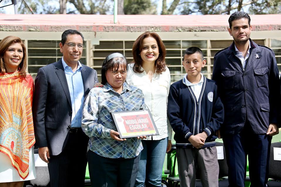 201016-entrega-seduc-mobiliario-en-escuelas-de-ecatepec-5