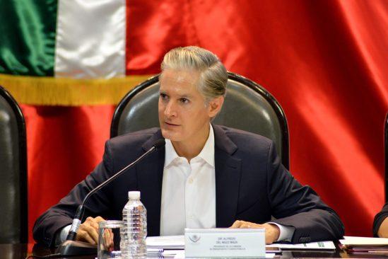 En el paquete económico 2017, se consideran mayores recursos para estados y municipios: Alfredo del Mazo.