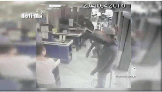 VIDEO: Graban asalto a mano armada en colonia de la ciudad de México