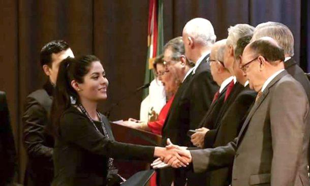 Estudiantes de Odontología son reconocidos por CENEVAL