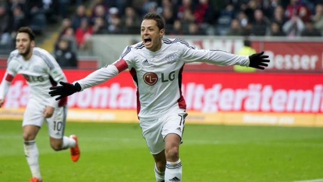 Chicharito es líder de goleo en la Bundesliga