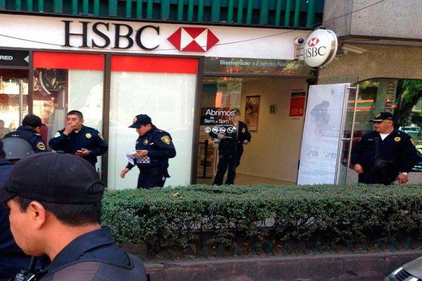 Ladrón roba en 15 minutos dos bancos en Polanco