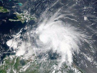 Alerta máxima en Jamaica ante llegada de huracán 'Matthew'