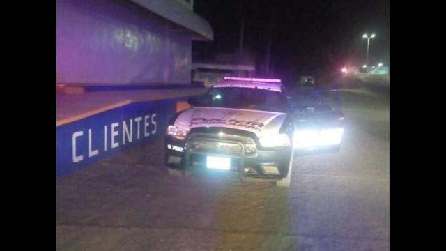 Detienen a ladrón de autos y logra escapar al robar patrulla