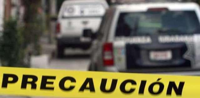 Balacera deja dos ladrones y un policía muertos en Naucalpan