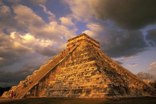 Descubren tercera pirámide dentro Kukulkán